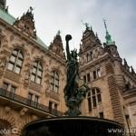 Kašna před radnicí Hamburk