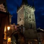Mostecká věž v noci