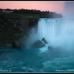 Niagarské vodopády večer