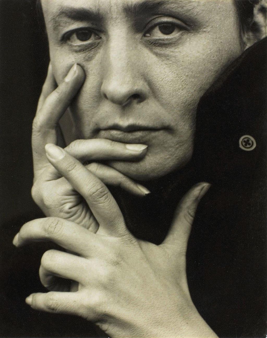 A.Stieglitz O'Keeffe-(hands)