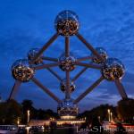 Noční Atomium